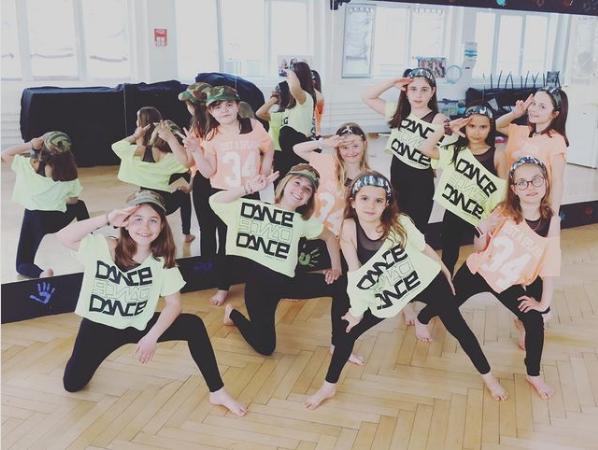 Screenshot 2021 05 17 just dance sur instagram au travail les canailles justdance10ans
